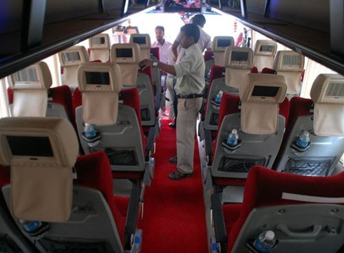 40 seater mercedes benz rental in new delhi, mercedes van rental in west delhi, luxury bus on rent in delhi ncr