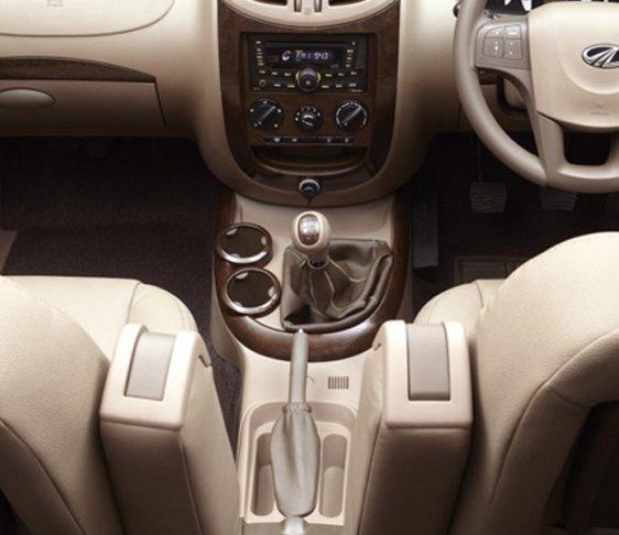 luxury cars on rent in west delhi, luxury car hire in delhi ncr, car on rent in new delhi