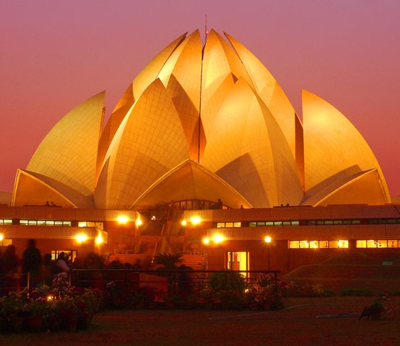 lotus temple in delhi, temples in new delhi, sightseeing in delhi