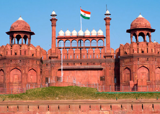 historical monuments in delhi, red fort in delhi, delhi sightseeing places