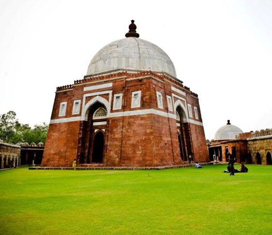 sightseeing in new delhi, historical places in delhi, delhi tourist attractions