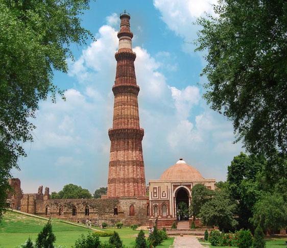 delhi historical places, Qutub Minar in delhi, delhi sightseeing tour