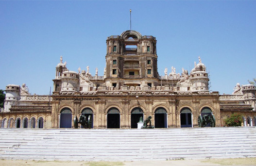 places to visit near lucknow, lucknow tour package, tourist places in lucknow, lucknow city tour package