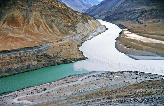 Zanskar river In Leh Ladakh, places to visit in leh ladakh, leh ladakh tour package