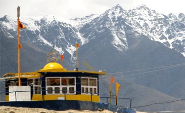 places to visit in leh ladakh, ladakh tour package from delhi, ladakh tour packages