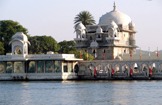 udaipur trip from delhi, places to visit in udaipur, delhi to udaipur