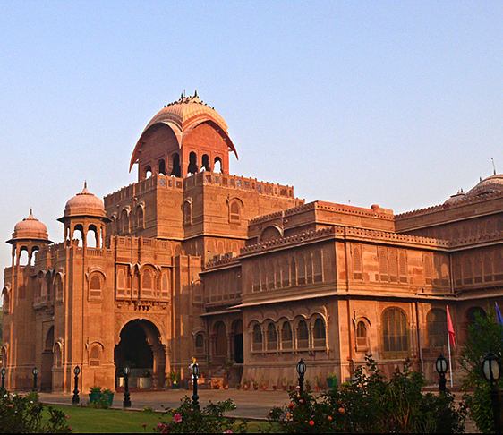 lalgarh palace, junagarh fort, prachina museum, karni mata temple, places to visit in bikaner, bikaner sightseeing, shopping in bikaner, delhi to bikaner bus, tata luxury bus, tempo traveller on rent in delhi