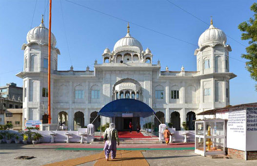 mohali tourist places, places to visit in mohali, gurdwara amb sahib, baba banda singh bahadur war memorial, fateh burj, mohali weather, delhi to mohali volvo bus, volvo bus from delhi to chandigarh, tempo traveller on rent in Delhi, Tata Coach On Hire In Delhi
